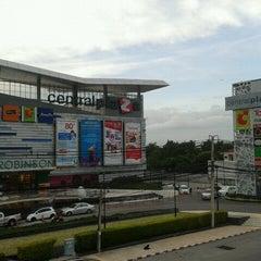 Photo taken at CentralPlaza Chonburi (เซ็นทรัลพลาซา ชลบุรี) by the_nut A. on 11/18/2012