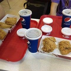 Photo taken at KFC by Ye Maw 👀 on 1/13/2013
