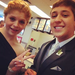 Photo taken at Taco Bell by Nico B. on 4/13/2013
