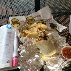 Photo taken at Moe's Southwest Grill by Roxana B. on 6/16/2013