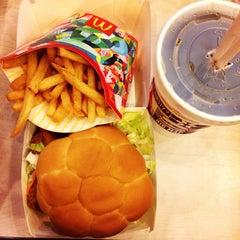 Photo taken at McDonald's by Niki Y. on 6/25/2014