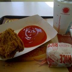 Photo taken at McDonald's by Winda R. on 4/29/2013