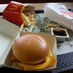 Photo taken at McDonald's by Abdul U. on 8/15/2013