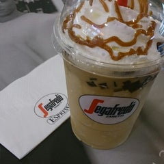 Photo taken at Segafredo Zanetti Espresso by Wa _. on 3/11/2014