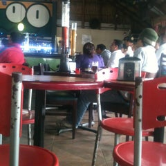 Photo taken at Cocoo Beers by Lalo N. on 3/12/2013