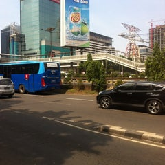 Photo taken at Samsat Polda Metro Jaya by Nicolaas E. on 12/10/2014