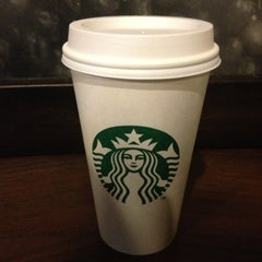 Photo taken at Starbucks by Jordi L. on 1/1/2013