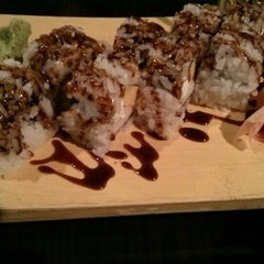 Photo taken at Sushi Avenue on the Square by Andre R. on 5/19/2015