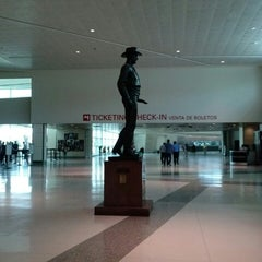 Photo taken at Dallas Love Field (DAL) by Romy i. on 6/6/2013