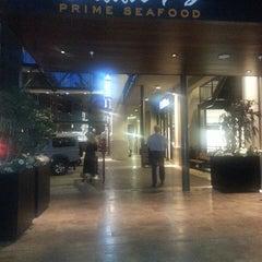Photo taken at Eddie V's Prime Seafood by Jennifer A. on 7/7/2013