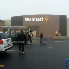 Photo taken at Walmart Supercenter by Dee D. on 1/13/2013