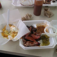 Photo taken at Country Boyz BBQ by Rosa W. on 3/22/2013