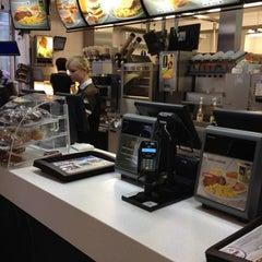 Photo taken at McDonald's by Laszlo István 🉐 A. on 12/13/2012