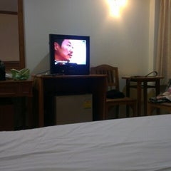 Photo taken at Golden Land Hotel @ Chiang Rai by Koon G. on 12/21/2012