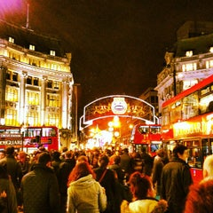 Photo taken at Oxford Circus by Zippy H. on 11/18/2012