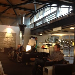 Photo taken at SWISS Business Class Lounge by Fabrizio M. on 10/6/2012