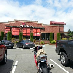 Photo taken at Applebee's by Tracy W. on 7/4/2013