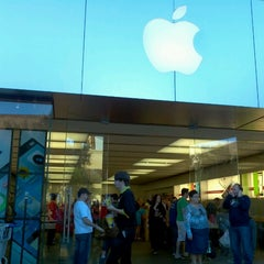 Photo taken at Apple Store, Town Square by Bruno G. on 11/25/2012