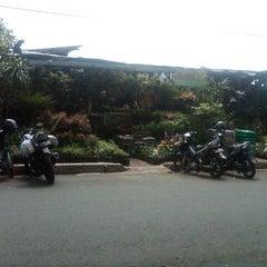 Photo taken at Pasar Burung Kota Malang by bagas w. on 4/4/2013