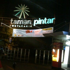 Photo taken at Taman Pintar by DEWI J B. on 9/14/2012