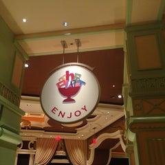 Photo taken at The Buffet at Wynn Las Vegas by Lisa K. on 3/26/2013