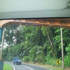 Photo taken at Tapak Perkhemahan dan perkelahan Mak Lang, Janda Baik. by Umi Kalsom A. on 12/1/2012