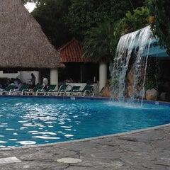 Photo taken at Hotel Sheraton Presidente San Salvador by Elizabeth on 9/16/2012