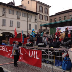 Photo taken at Piazza della Vittoria by Gianandrea N. on 5/1/2013
