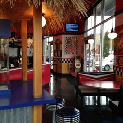 Photo taken at Teddy's Bigger Burgers by Marc N. on 12/13/2012