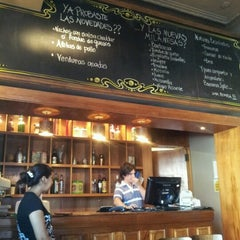 Photo taken at El Club de la Milanesa by Francisco M. on 11/23/2012
