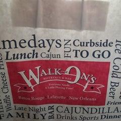 Photo taken at Walk-On's Bistreaux & Bar by Kyra on 10/7/2012