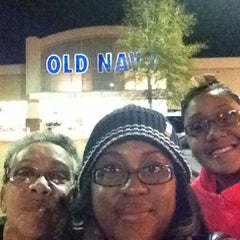 Photo taken at Old Navy by Kyra on 11/29/2013