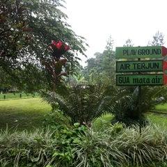 Photo taken at Lembur Pancawati by Aisyah I. on 1/18/2014
