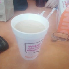 Photo taken at Dunkin Donuts by Larry W. M. on 4/6/2013