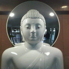 Photo taken at Metta Lodge Pusat Buddhist, Johor by Heng C. on 7/26/2011
