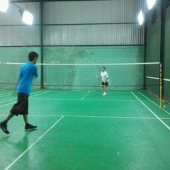 Photo taken at Dao Duy Anh Badminton Court by Khang L. on 11/9/2011
