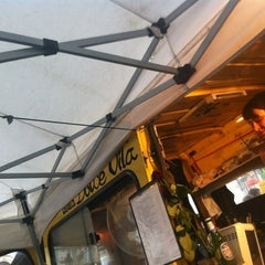 Photo taken at Marché de la place van Meenen / Markt van Meenenplein by Mélissa R. on 8/13/2012