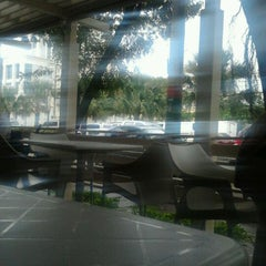 Photo taken at Lincoln Road by Edgar R. on 11/18/2011