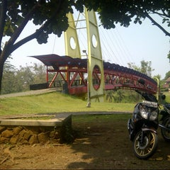Photo taken at Fakultas Teknik by Matius S. on 7/12/2012