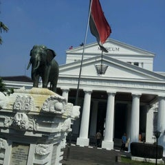 Photo taken at Museum Nasional Indonesia by Agitya N. on 5/26/2012