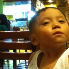 Photo taken at Mang Inasal by Michael S. on 1/4/2012