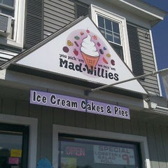 Photo taken at Mad Willie's Ice Cream by Valerie D. on 3/20/2012