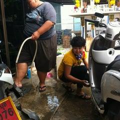 Photo taken at 168 Mobile by tati P. on 7/11/2012