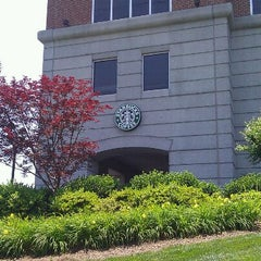 Photo taken at Starbucks by Richard C. on 5/30/2011