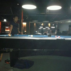 Photo taken at Shooters Pool Table™ by Muhajir Rachman P. on 4/9/2012