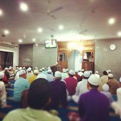 Photo taken at Surau An-Nur by Mohd Haaziq M. on 4/24/2012