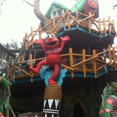 Photo taken at Sesame Street Safari Of Fun by Fanny L. on 8/26/2012