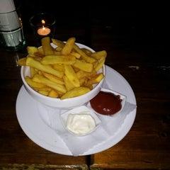 Photo taken at Kilkenny Irish Pub by Maurocoa K. on 7/31/2012
