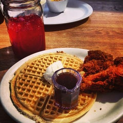 Photo taken at Lo-Lo's Chicken & Waffles by Justin H. on 3/28/2013
