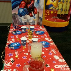 Photo taken at Chuck E. Cheese's by Gold E. on 2/1/2015